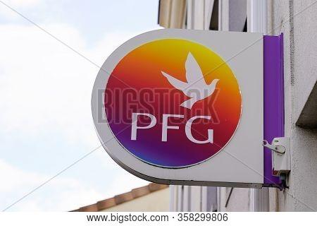 Bordeaux , Aquitaine / France - 09 24 2019 : Sign Shop Pfg Logo In Front Of Agency Pompes Funebres G