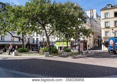 Paris, France - August 30, 2019: This Is A Small Cozy Square In The Latin Quarter, Near Which Many C