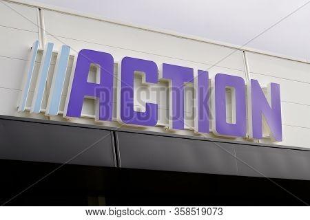 Bordeaux , Aquitaine / France - 01 15 2020 : Action Store Sign Logo Dutch Discount Store Chain Low C