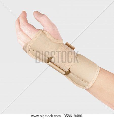 Elastic Wrist Bandage. Orthopedic Medical Fitness Hand Bandage. Elastic Wrist Injury Support. Sport