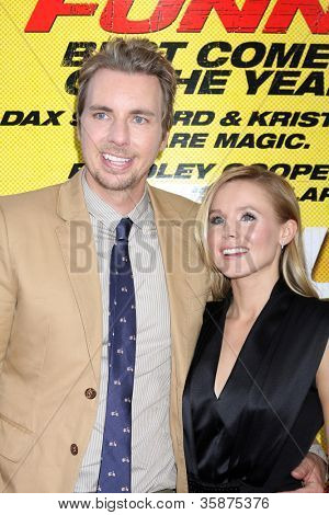 LOS ANGELES - AUG 14:  Kristen Bell, Dax Shepard arrives at the