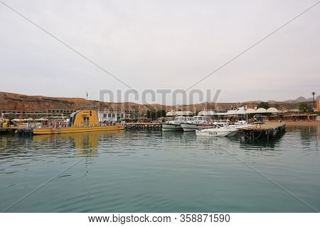 Parking Pleasure Boats For Tourists To Stroll Across The Red Sea In Egypt. 2013