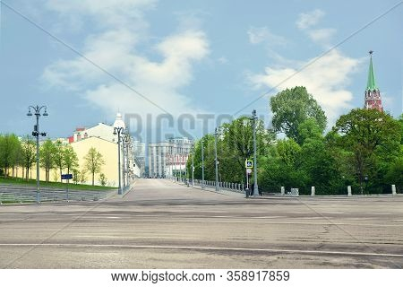 Moscow, Russia. May 9, 2019. View Of The Deserted Manezhnaya And Borovitskaya Street Near The Moscow
