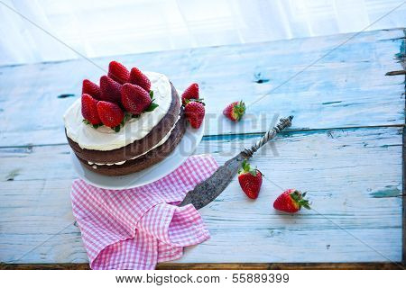 Delicious Homemade Cake With Strawberries (sugar-free)