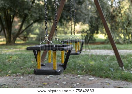 Two Swings Forget
