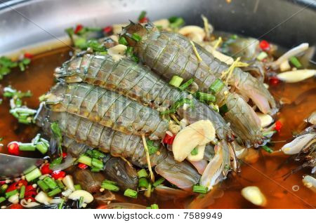 Mantis Shrimp Soak Fish Souse