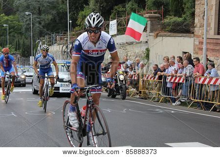 The passage of a cyclist and supporters at Uci Road World Championships