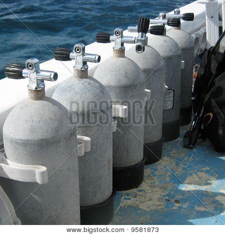 Steel scuba tanks