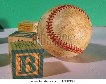3 Blocks And Ball