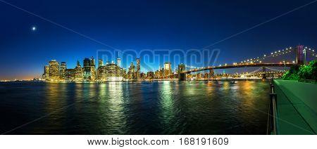 Brooklyn bridge and manhattan view from hudson