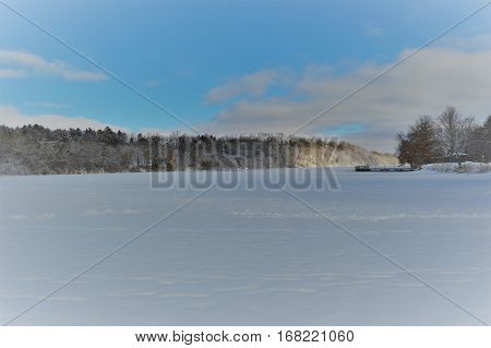 A lake in Eau Claire WI during the wintere