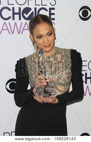 LOS ANGELES - JAN 18:  Jennifer Lopez at the People's Choice Awards 2017 at Microsoft Theater on January 18, 2017 in Los Angeles, CA