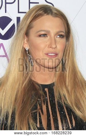 LOS ANGELES - JAN 18:  Blake Lively at the People's Choice Awards 2017 at Microsoft Theater on January 18, 2017 in Los Angeles, CA