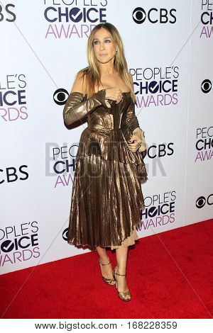 LOS ANGELES - JAN 18:  Sarah Jessica Parker at the People's Choice Awards 2017 at Microsoft Theater on January 18, 2017 in Los Angeles, CA