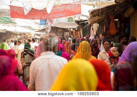 PUSHKAR, INDIA - CIRCA NOV 2016: Indian pilgrims walking for a Ceremony in Pushkar, India
