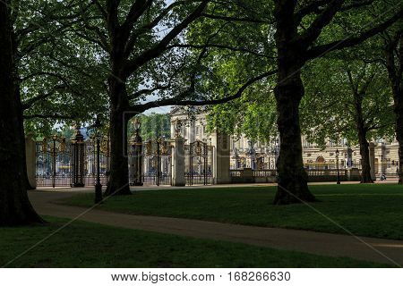LONDON, GREAT BRITAIN - MAY 17, 2014: Canada Gate is an entrance to the Green Park one of the four Royal Parks of central London.