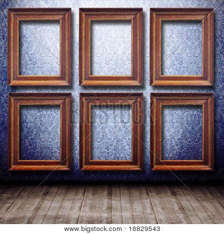 Alte gestaltete Interieur mit Holzrahmen an die Wand (Galerie)