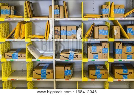 Lafayette - Circa February 2017: Amazon Store at Purdue. A brick-and-mortar store customers can receive products from Amazon.com V