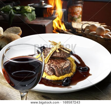 Filet mignon red wine sauce