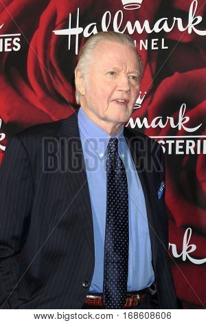 LOS ANGELES - JAN 14:  Jon Voight at the Hallmark TCA Winter 2017 Party at Rose Parade Tournament House  on January 14, 2017 in Pasadena, CA