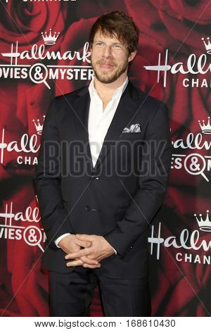 LOS ANGELES - JAN 14:  Eric Mabius at the Hallmark TCA Winter 2017 Party at Rose Parade Tournament House  on January 14, 2017 in Pasadena, CA