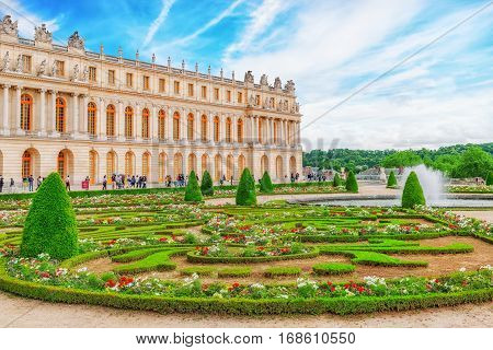 Versailees, France- July 02, 2016 : Main Entrance Of  Versailles. Palace Versailles Was A Royal Chat