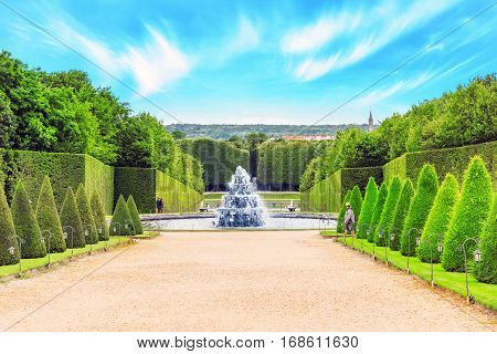 Versailees, France- July 02, 2016 : Fontaine Pyramid In A Beautful And Famous Gardens Of Versailles