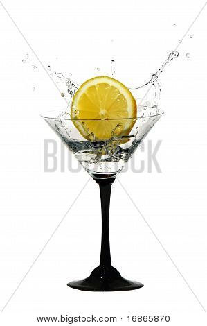 Water crown in cocktail glasses