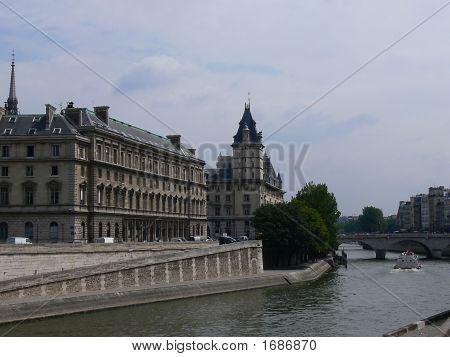 Paris Best P