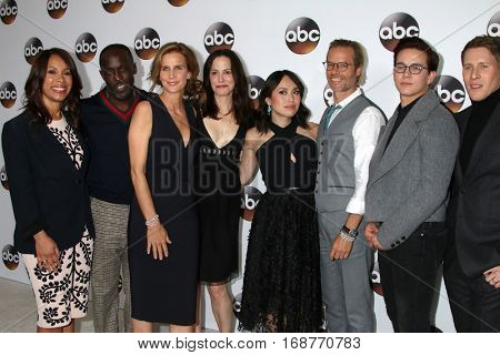 LOS ANGELES - JAN 10:  M K Williams, R Griffiths, M Parker, I Aquino, Guy Pearce, A P McKenzie, D L Black at the ABC TV TCA Winter 2017 Party at Langham Hotel on January 10, 2017 in Pasadena, CA