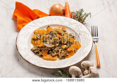 salad with champignon and carrots