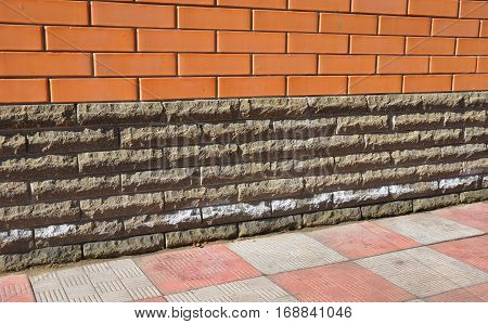 Efflorescence From Brick And Stone Masonry. Removing Salts. Efflorescence is a white powder that results when mineral salts in mortar are dissolved by water.