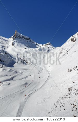 Ski region of the Hintertuxer Glacier (Tuxer Ferner) with a beautiful landscape and steep ski slopes in Tyrol Austria