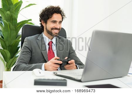 Employee playing games at work