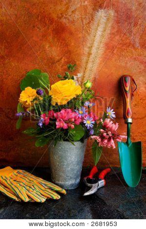 Wesentliche Gartenbau