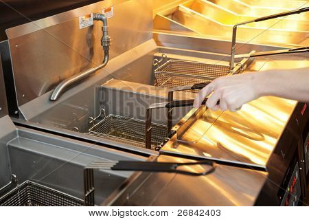 Deep fryer with oil