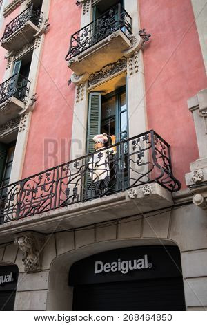 Barcelona, Spain - March 18, 2018: Statue of a Cook on Arcs Street in Barcelona, Spain.