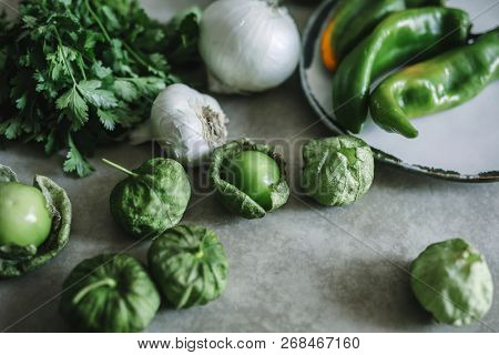Fresh ingredients for green tomatillos salsa