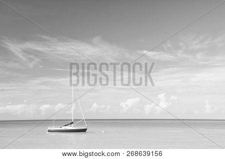 Tropic Sea Idyll. Water Entertainment Antigua St.johns All Inclusive. Idyllic Scene Tropical Vacatio