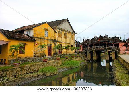 Views of the Japanese bridge in Hoi An - Vietnam