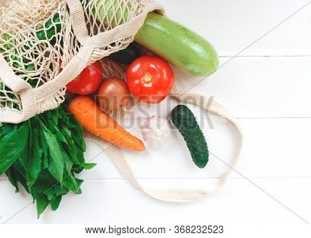 Package-free Food Shopping. Eco Friendly Natural Bag With Organic Fruits And Vegetables. Zero Waste