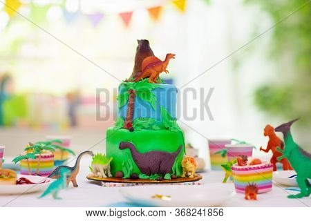 Kids Birthday Party. Dinosaur Theme Cake.