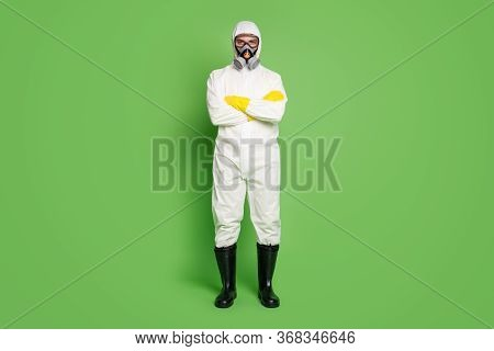 Full Length Body Size View Of His He Nice Serious Workman Wearing Gas Mask Sars Ncov N-cov-2 Defense