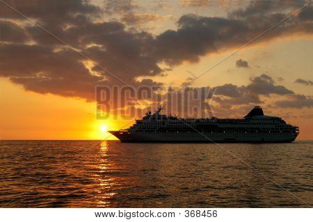 Cruisin Into Sunset