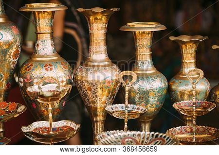 Goa, India. Indian Eastern Jugs On Local Goa Market. Popular Souvenirs From India. Market Of Antique