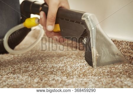 Detail Of Cleaning Deeply Carpet With Wet And Dry Cleaning Machine