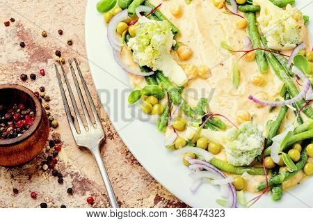 Hummus And Variety Of Vegetable