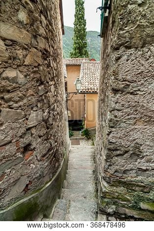 Narrow Street Of The Ancient Village Albogasio - Oria, Is Part Of The Municipality Of Valsolda, In T