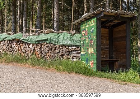 Bus Stop Painted By Children On The Edge Of The Forest - Bus Shelter