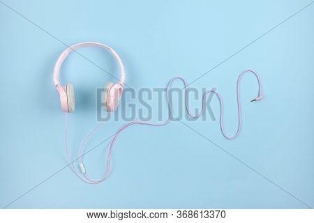 Asmr, Autonomous Sensory Meridian Response, Sensory Meridian Response Concept With Pink Headphones O